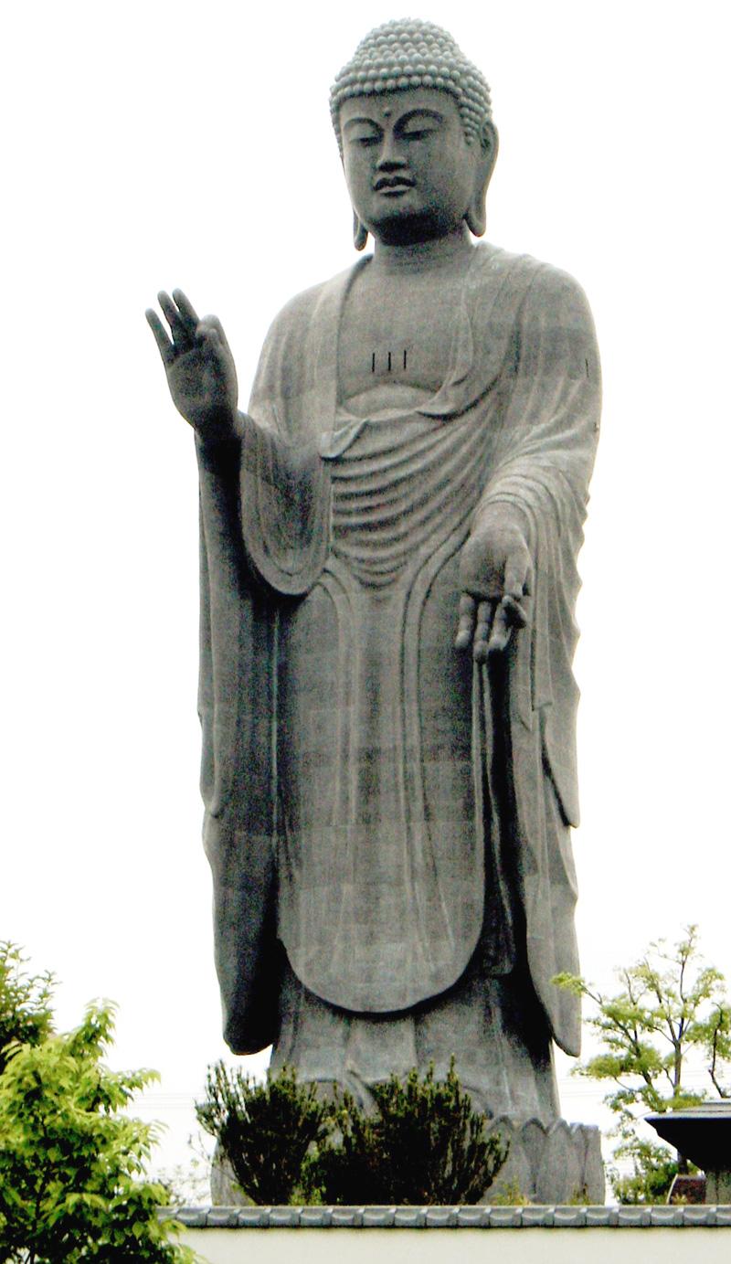 Гигантская статуя Будды Амиды (Амитабхи) в Усику, префектура Ибараки